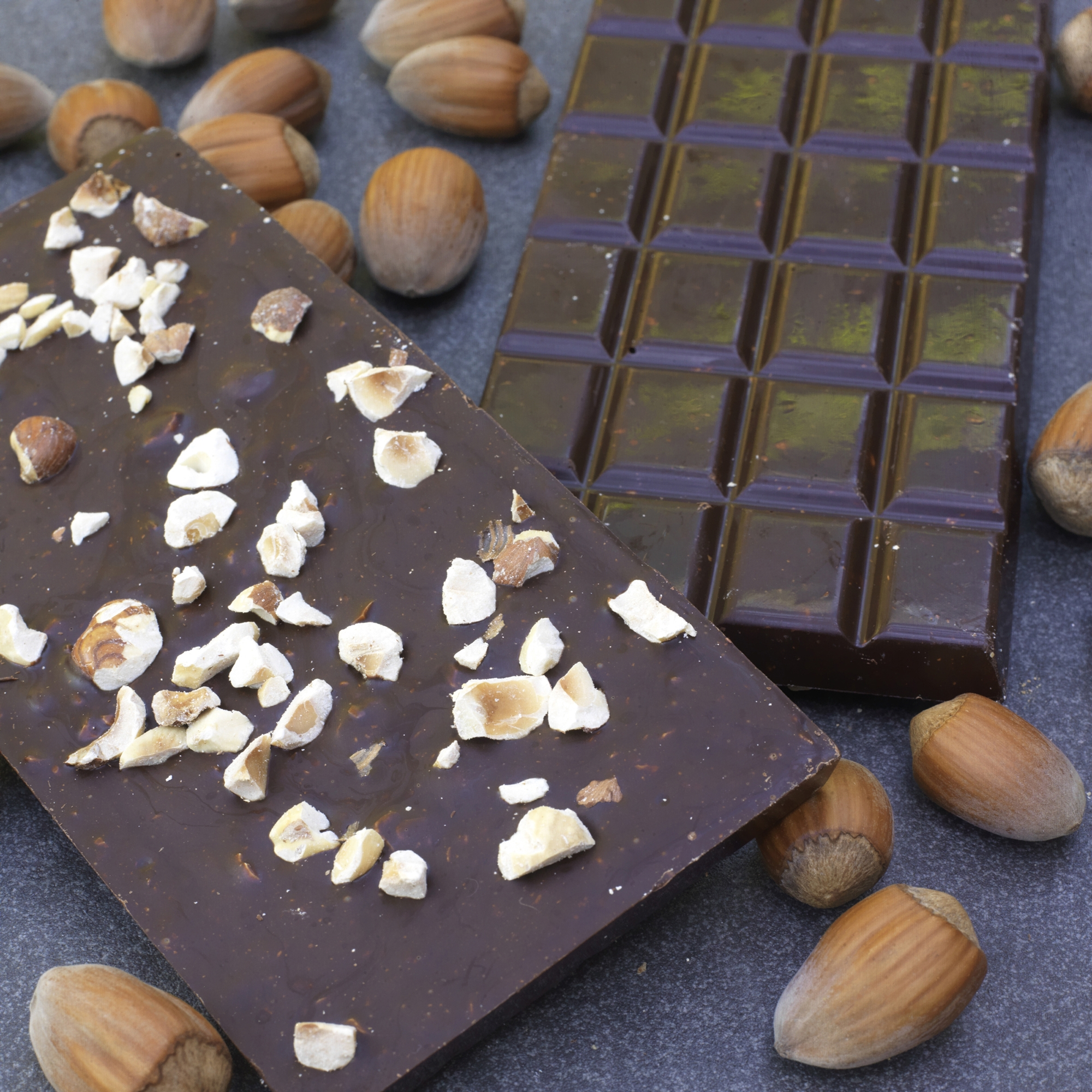 Belgian Chocolate Bar with Kentish Cobnuts - These bars are a good alternative to the popular Plattinums chocolate coated roasted cobnuts.