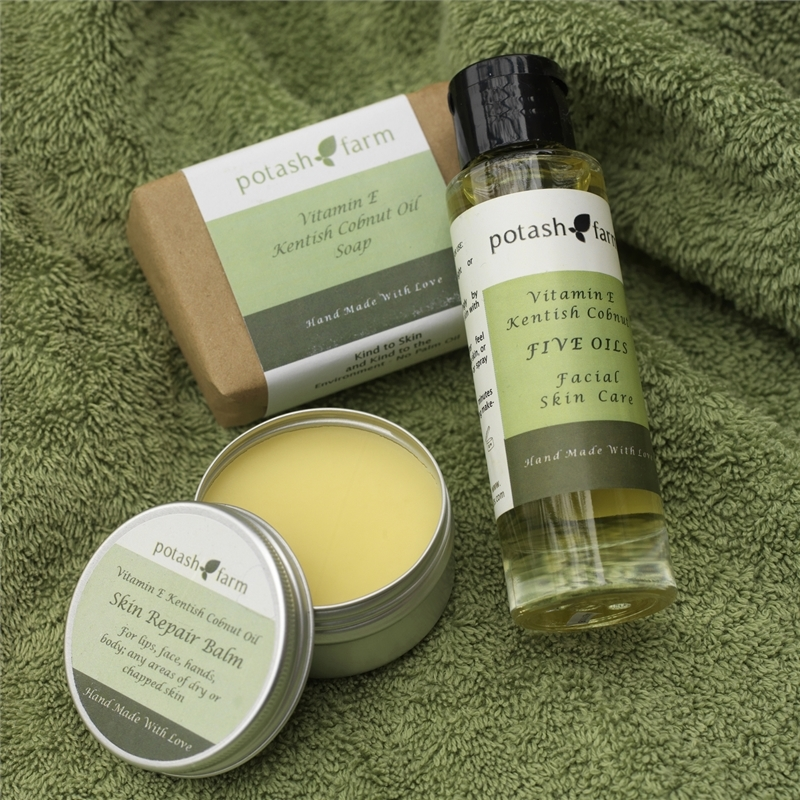 The Potash Farm Cosmetics Gift Pack With Chocolate